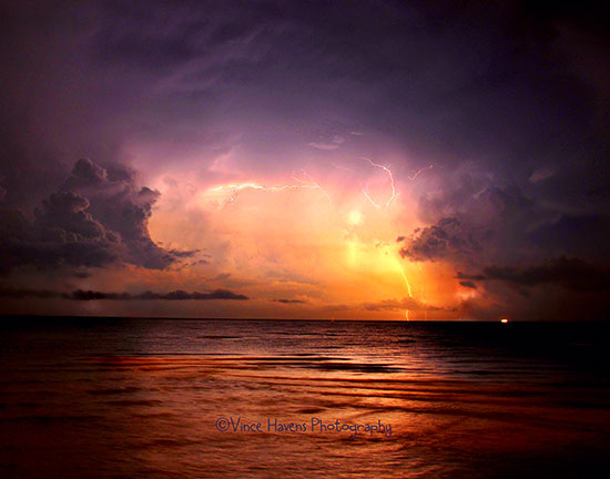 How to photograph lightning photo